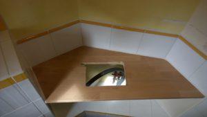 Plan percé pour le lavabo